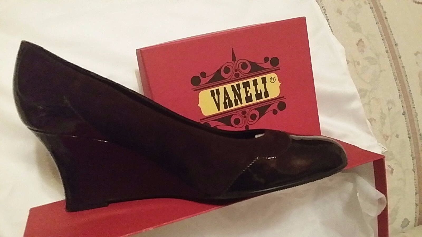 NEW Vaneli shoes TMgold Suede Suede Suede PT Sz 9 M NEW MSRP  135 Style  UDOR 812581 11ab45