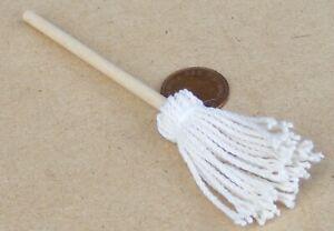 Courageux 1:12 Échelle Maison Plancher Nettoyage Mop Tumdee Maison De Poupées Miniature Accessoire-afficher Le Titre D'origine Haute Qualité