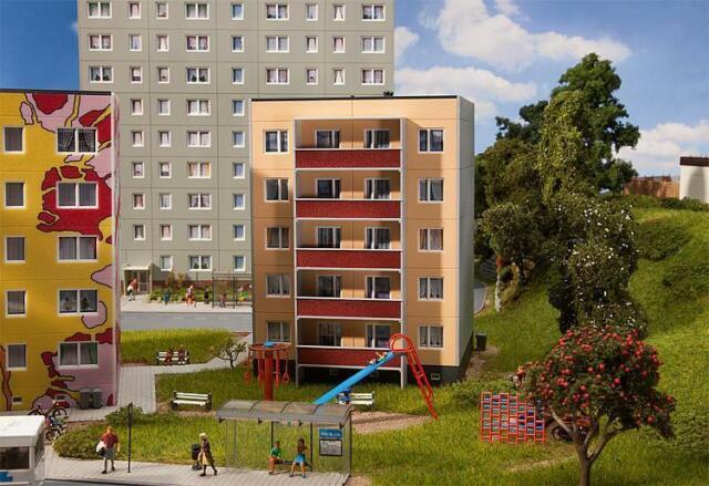 Faller 130803, Plattenbau P2/5, neu, OVP, Neubau, Haus, Wohnhaus