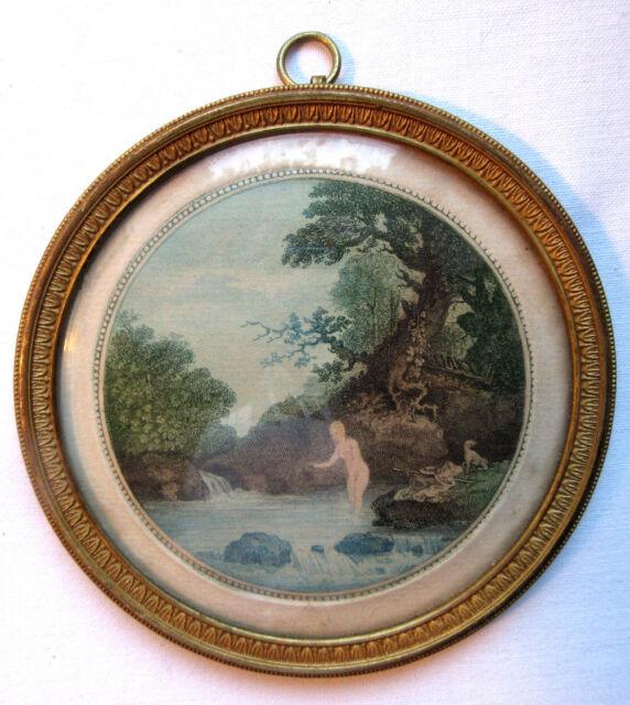 Cadre médaillon bronze doré à palmettes, Eau forte: Femme nue à la rivière