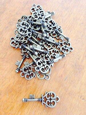 Antique Bronze Key Charm / Pendant x 20