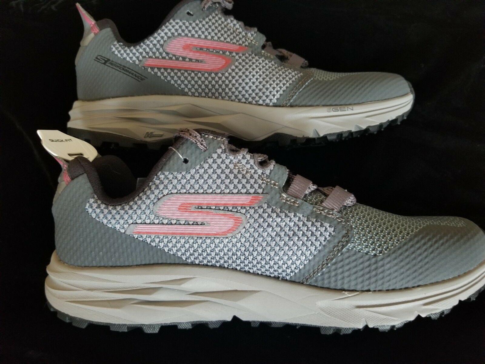 Brand New Skechers Go Trail 2 Running shoes - womens Size 9.5