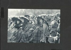 Nostalgia-Postcard-The-Braemar-gathering-Highland-Games-1954