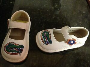 FLORIDA GATORS SIZE 6 TEAM SQUEAKS GIRLS MARY JANE WHITE UF SO CUTE! MSRP $34.99