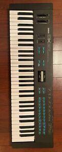 Vintage-Yamaha-DX27-Digital-FM-Synthesizer-Keyboard