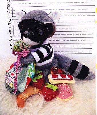 SALE PATTERN Milla Caterpillar Puppet cute softie//toy PATTERN
