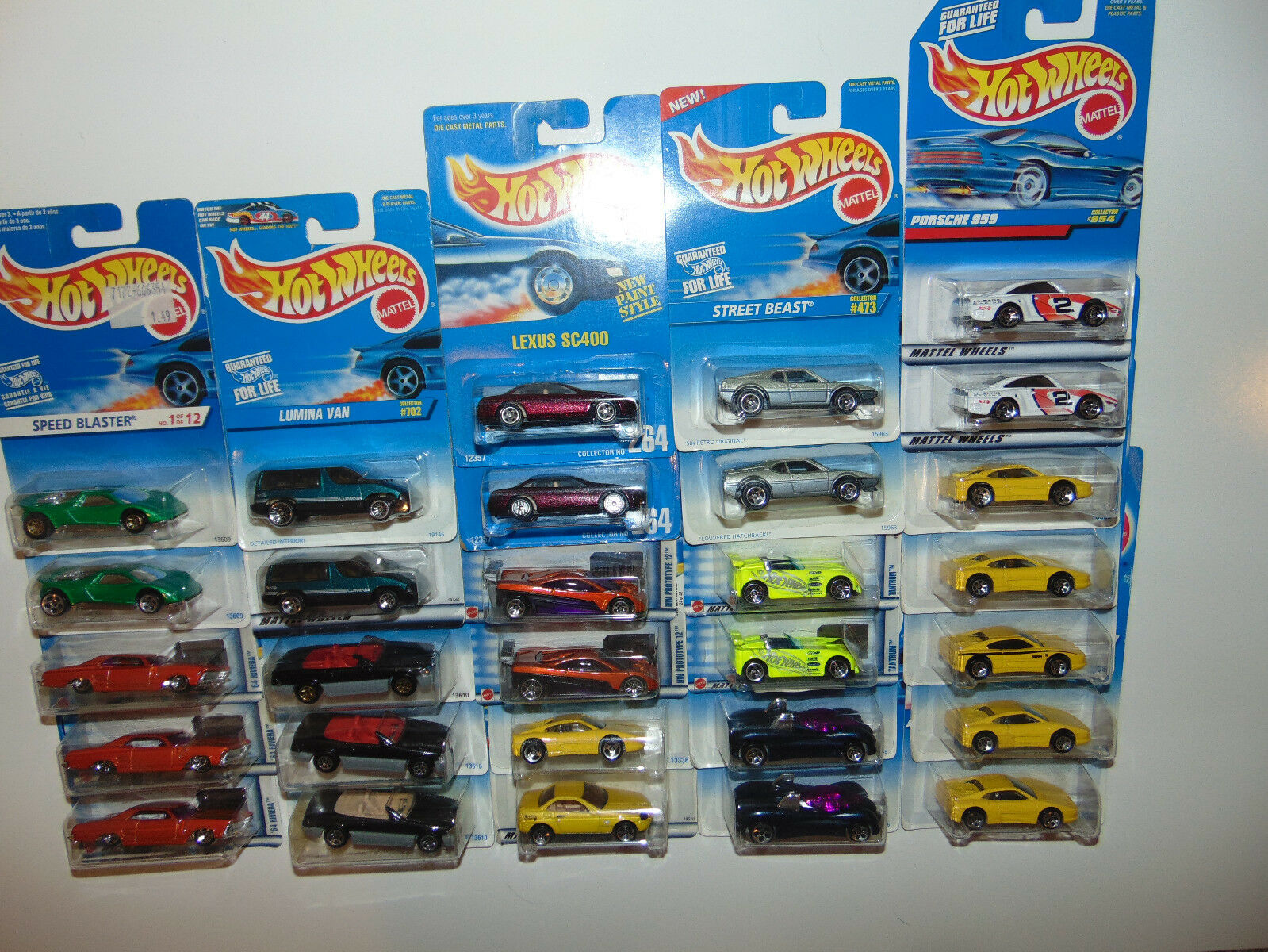 29) DIFFERENT Hot Wheels WHEEL VARIATIONS bluee Card Lexus Vintage Huge Lot Set