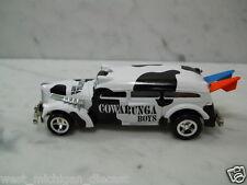 "Johnny Lightning Meat Wagon  ""Cowabunga Boys"" w/ Surf Boards 1/64 Scale"