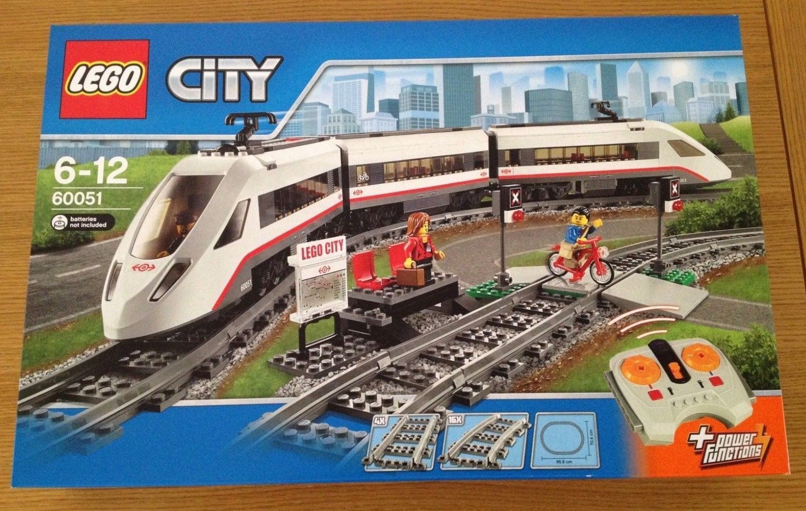 LEGO 60051 City High-Speed Passenger Train    Sealed  lot 3