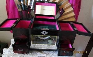 coiffeuse boite a bijoux miroirs musique tiroirs bois laque chine 1920jewel box ebay. Black Bedroom Furniture Sets. Home Design Ideas