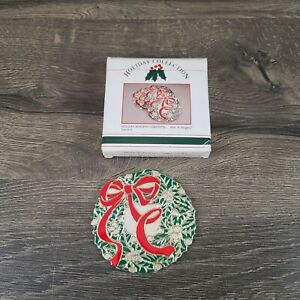 Vtg 1986 Holiday Collection 4 pc Wreath Coasters Holly Red Bow Wm. Rogers