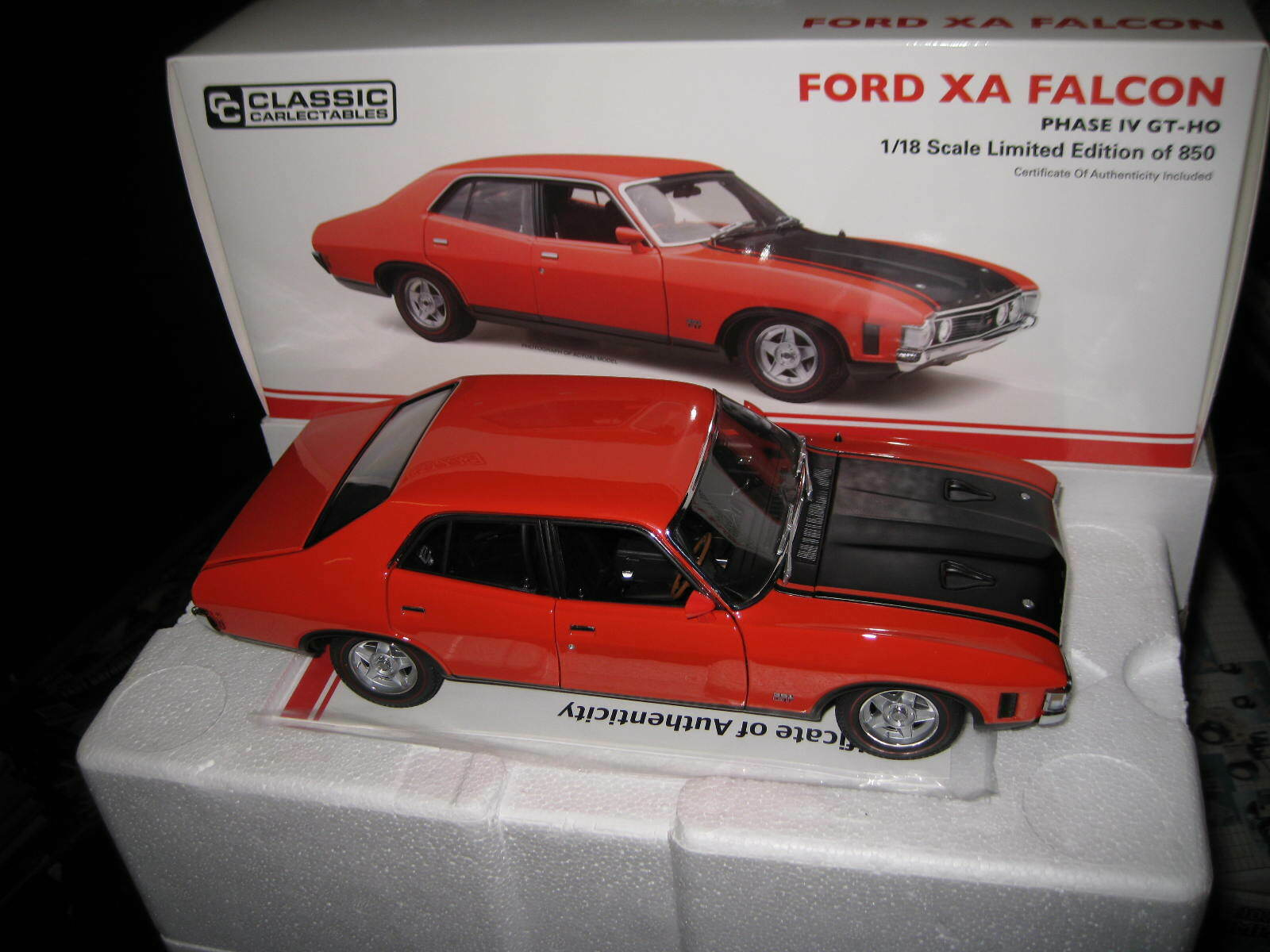 CLASSIC 1 18 FORD XA FALCON PHASE IV GT-HO 4dr SEDAN  rosso  AWESOME MODEL