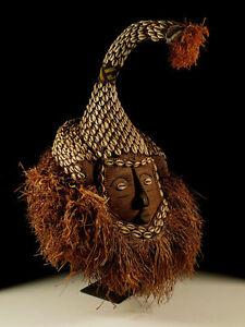 Maske-der-Kuba-Kongo-incl-Staender