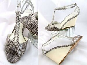 Elie-Tahari-Snakeskin-Gray-Ivory-Wedge-Sandals-Heels-Shoes-Excellent-39-5-9