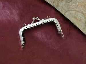 La Fourniture Argent Rétro Métal Sac à Main Bricolage Coudre Dans Cadre Kiss Fermoir Lock 3 X 1.5 In (environ 3.81 Cm)-afficher Le Titre D'origine Diversifié Dans L'Emballage