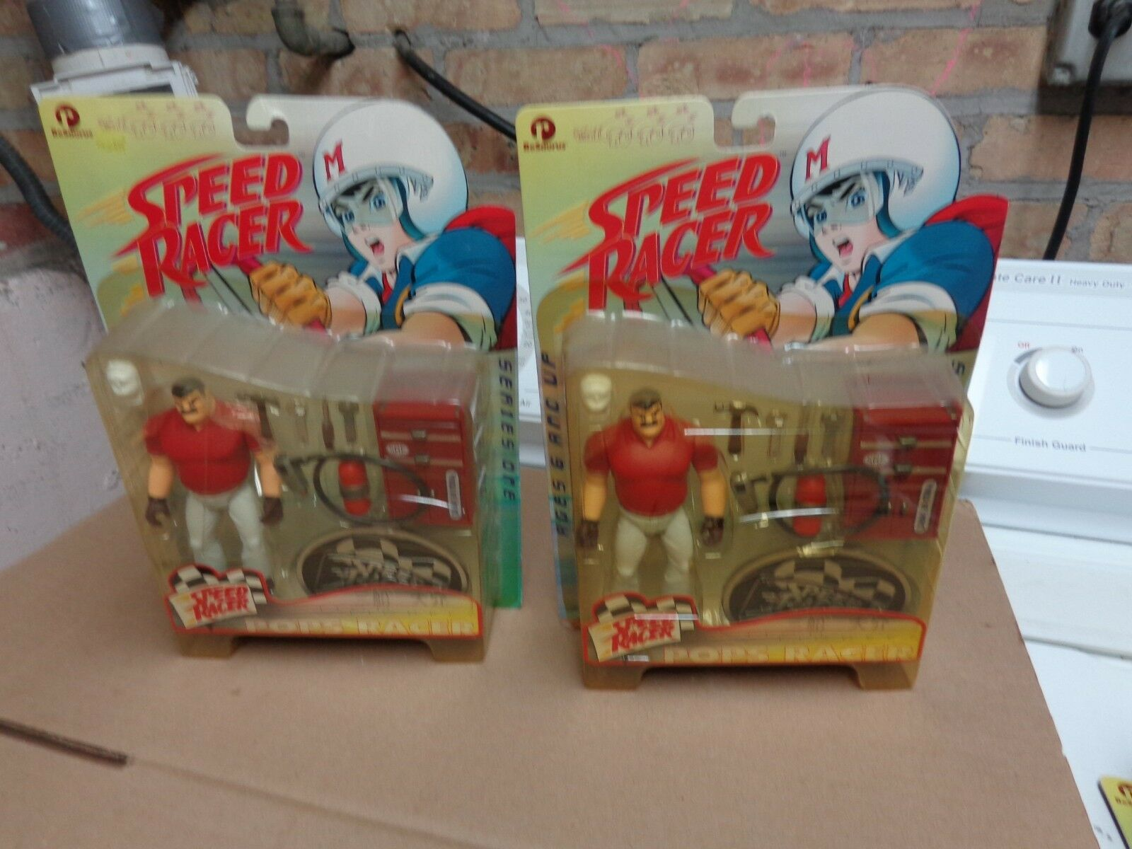 SPEED RACER FIGURES POP CAPTAIN TERROR PLUS 2 DIECAST W CELL PLAYING MANTHAS LOT