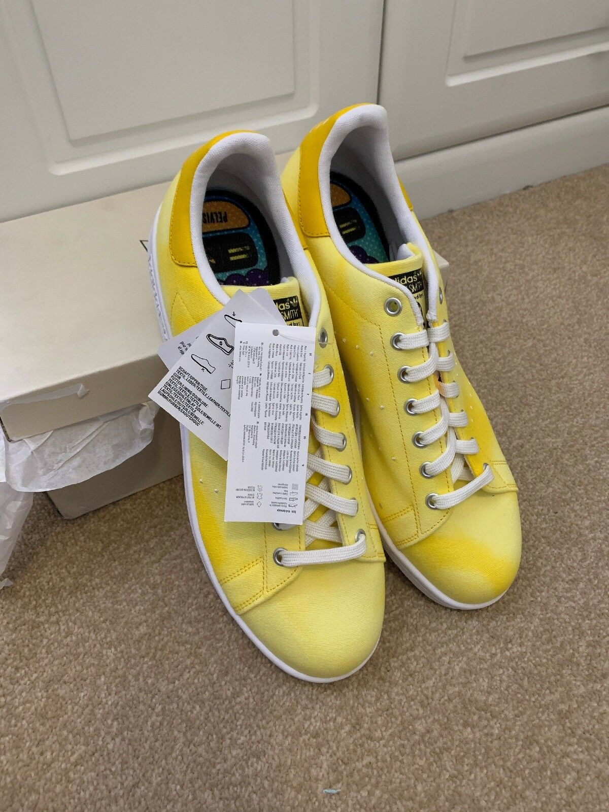9724e8d5cd Adidas Originales Pharrell Williams Hu Holi Stan Smith Amarillo Talla UK  11.5 Nuevo Y En Caja