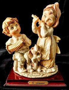 Vintage GIUSEPPE ARMANI Boy & Girl Plaing Music CAPODIMONTE Figurines Retired