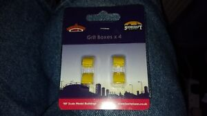 OO Gauge Bachmann 44-546 Highways Grit Boxes Yellow (Pack of 4)