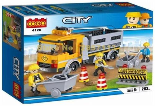 COGO Construction Truck Highway Repairs Builders Truck Blocks Building Set 263pc