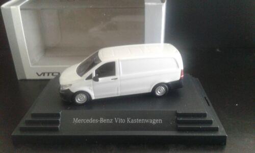 Herpa Mercedes Vito Kastenwagen BR 447 weiss Vitrinenmodell  1:87