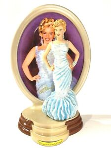 2001-Liimited-edition-Bradford-Exchange-Marilyn-Monroe-plate-with-doll-figurine