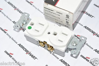 1pcs-EAGLE Cooper Wiring Snap in Receptacle 49-7BK-BU 15A-125V Outlet