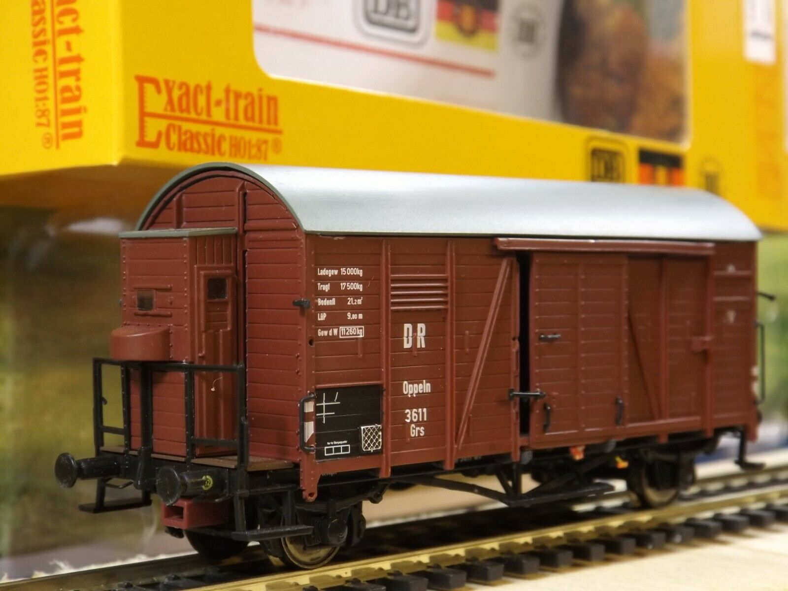 M185 Gedeckter Güterwagen mit Bh Oppeln Grs 3611 DR Exacttrain EX20090A
