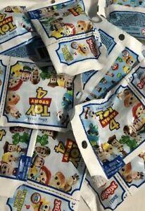 Toy Story 4 Ensemble complet de 12 figurines Mini Mystery série 1 Nouveau