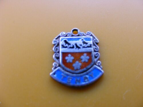 5 VARIOUS VINTAGE STERLING SILVER CHARM CHARMS UK TRAVEL SHIELD