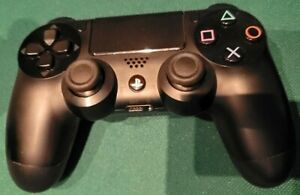 Sony-PlayStation-Dualshock-4-Wireless-Controller-Jet-Black-3001538-USED