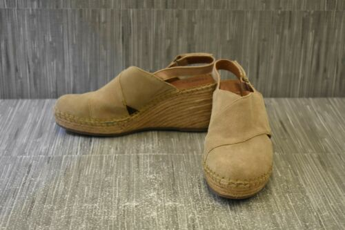Born Minam F78802 Wedge Sandal - Women's 9M, Natur