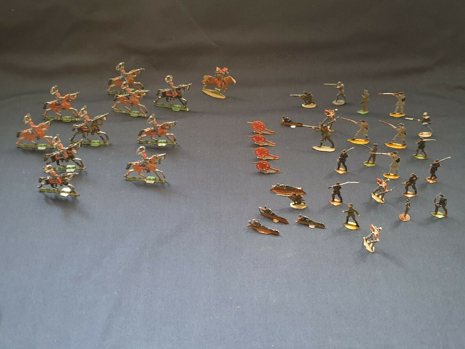 Lot vintage lead soldiers army cavalry cannons Toy figure 41pcs very rare toys