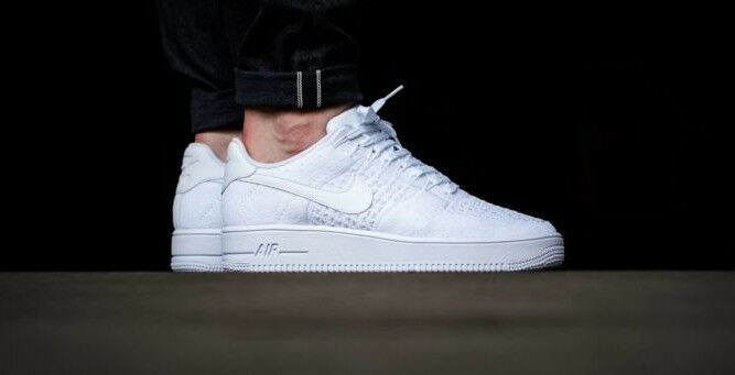Nike Nike Nike AF1 Ultra Flyknit Low Triple White Trainers UK SIZE 7 87f0d2