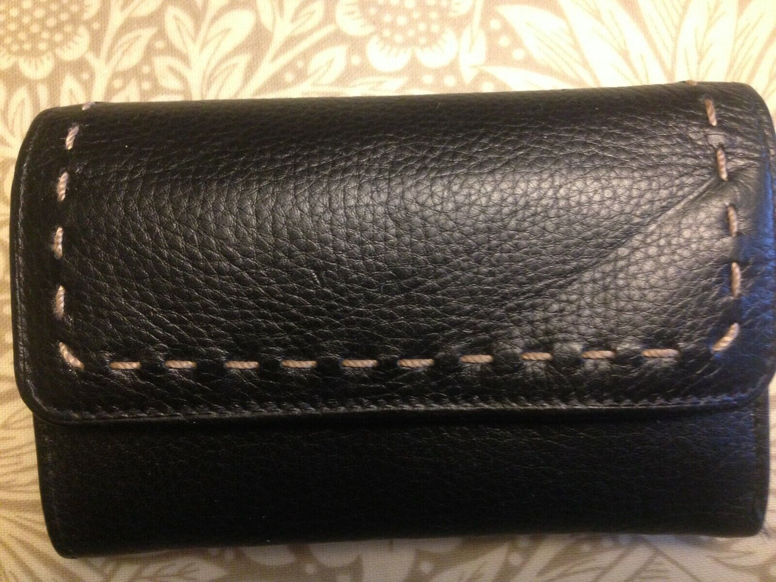 New no tags Black leather purse/wallet, 3 fold 5