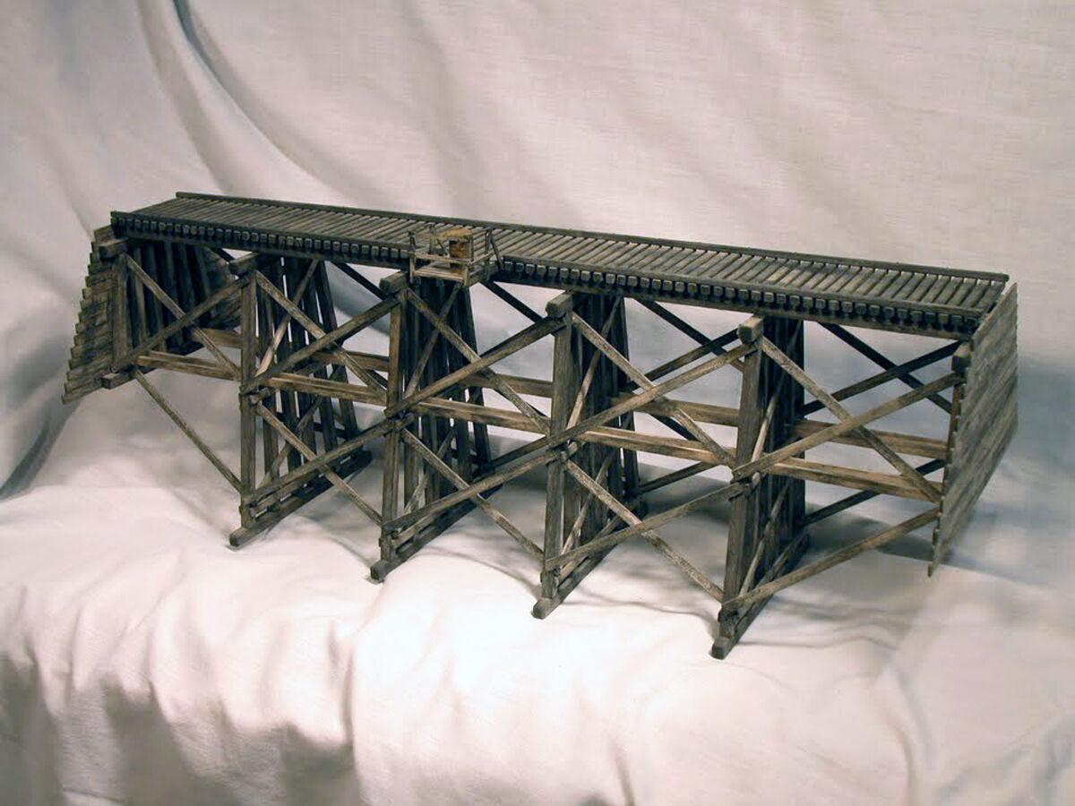 81 ft FRAMED TIMBER TRESTLE BRIDGE N Model Railroad Structure Unptd Kit HL101N