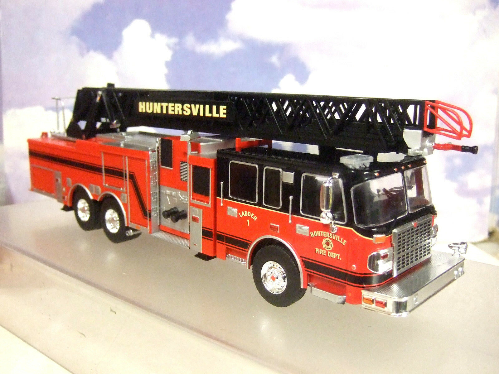 Ixo 1   43 smeal 105 antenne scala americano uns camion dei pompieri huntersville