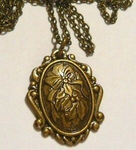 Collier-pendentif-style-retro-camee-grave-feuille-de-houx-couleur-bronze-13