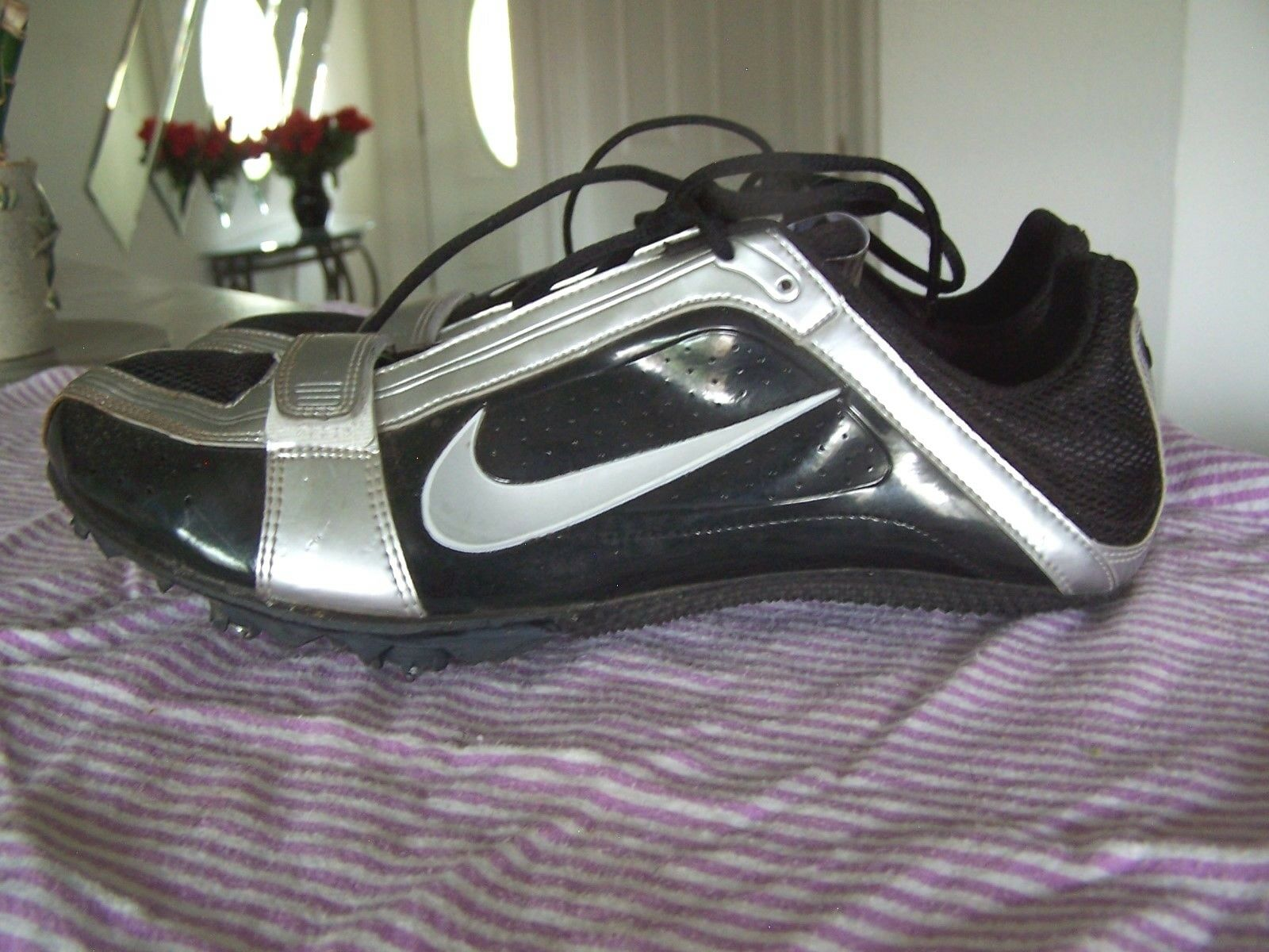 NIKE Bowerman Mens Athletic Track & Field Black Silver Lace Up Shoes Comfortable