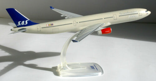 Herpa Snap-Fit Modell 611237 A330 A330-300 1:200 SAS Scandinavian Airlines