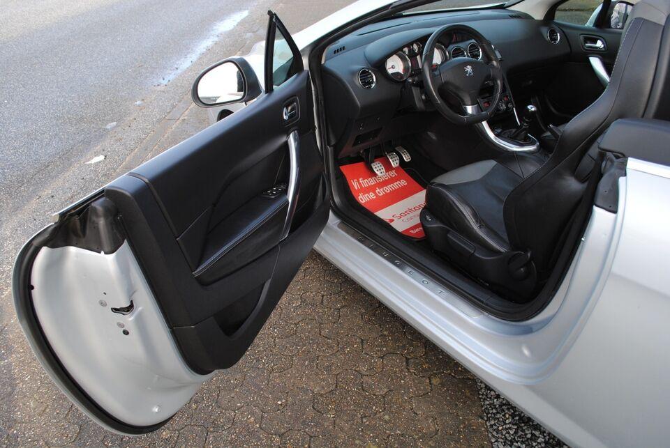 Peugeot 308 1,6 THP 156 Sport CC Benzin modelår 2011 km