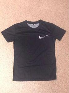 Tee Shirt Nike noir léger Taille M Homme/Femme
