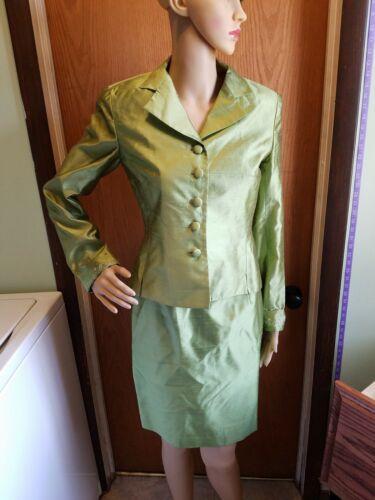 kay unger blazer skirt set green 100% silk beaded