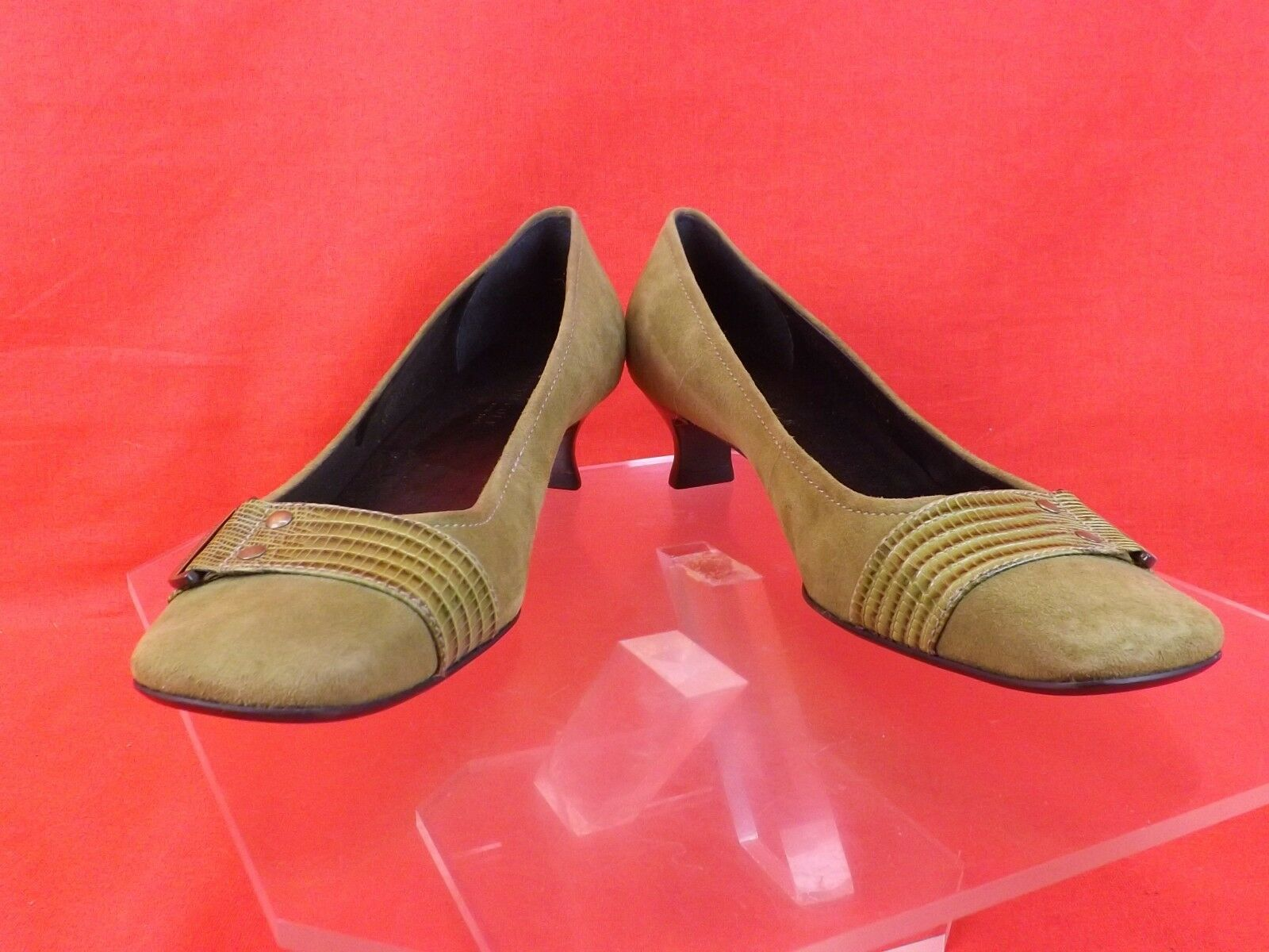 NWB KENNETH COLE OLIVE SUEDE CROCODILE LTH BELTED KITTEN HEEL PUMPS 8.5 BRAZIL