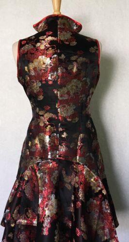Sleeveless Modern Chinese Cheongsam Qipao Summer Fashion Dress with Gold Flowers