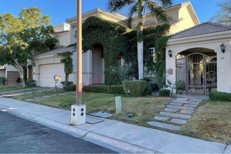 Casa en venta en San Pedro Residencial 1 Mexicali ZONA DORADA