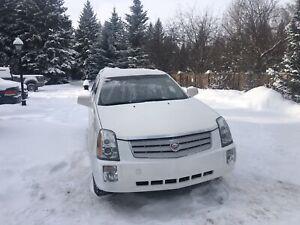 2008 Cadillac SRX AWD like new. Heated seats+wheel 7seats