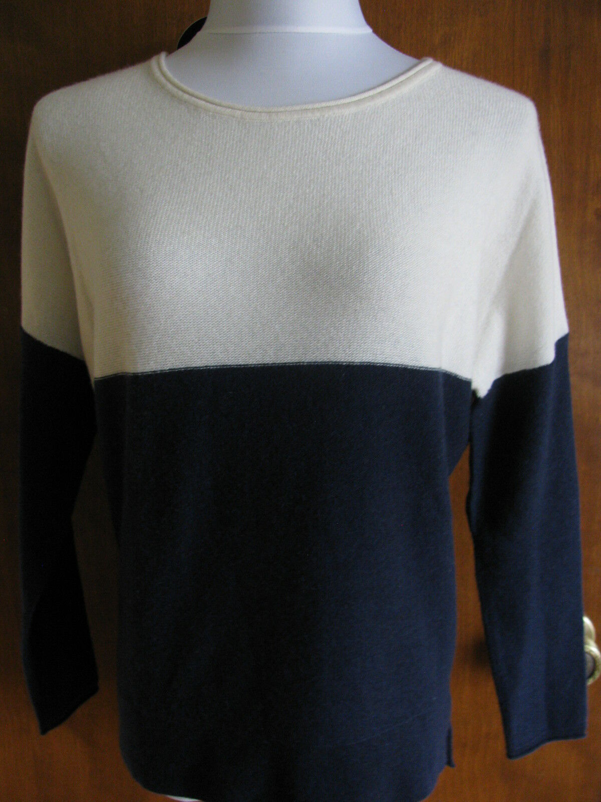 Bloomingdale's Women's White Navy 2ply Cashmere Sweater XSmall NWT