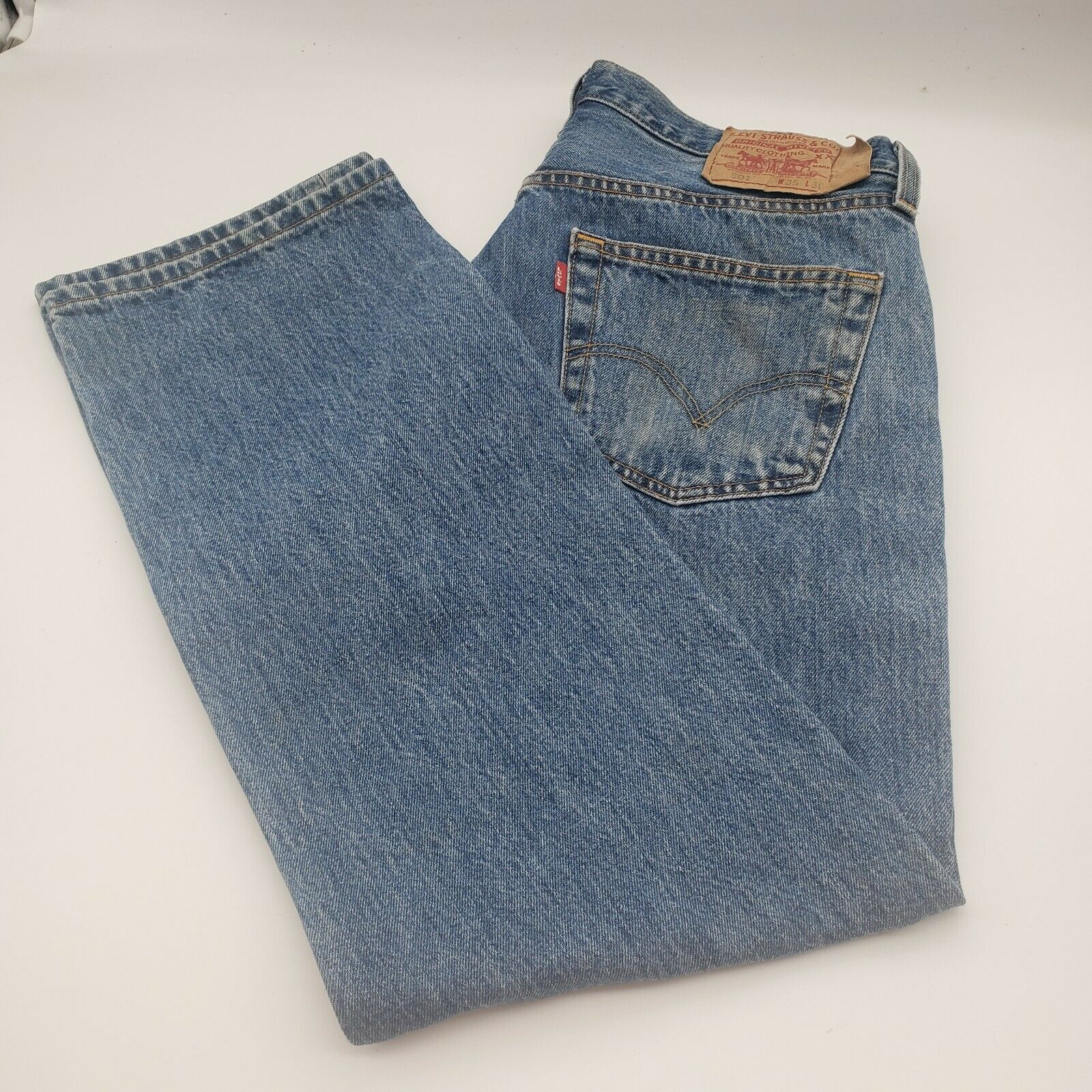 Levis 501 Button-Fly Mens 35x30 Well Worn Faded D… - image 11