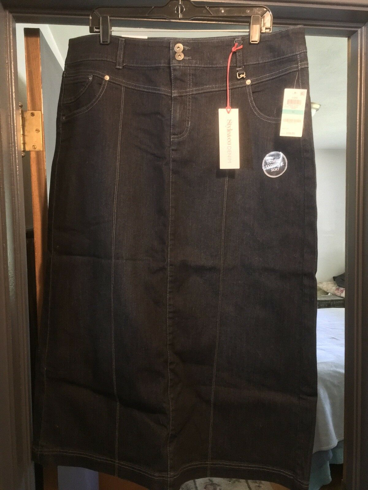 STYLE AND COMPANY SIZE 16 blueE  DENIM STRAIGHT SKIRT  NWT